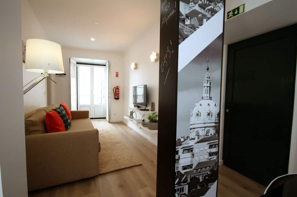 Family Apartment, 2 Bedrooms, River View (Happiness House) - Living Room