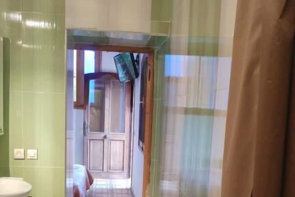 Basic Room, Lake View - Bathroom