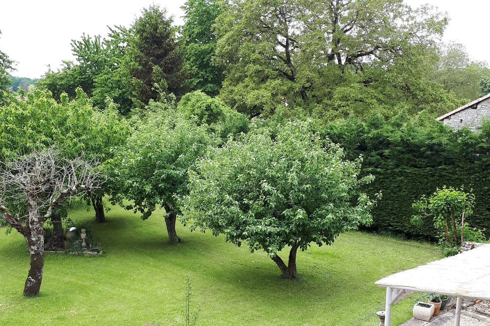 Classic Double Room (Flora) - Garden View