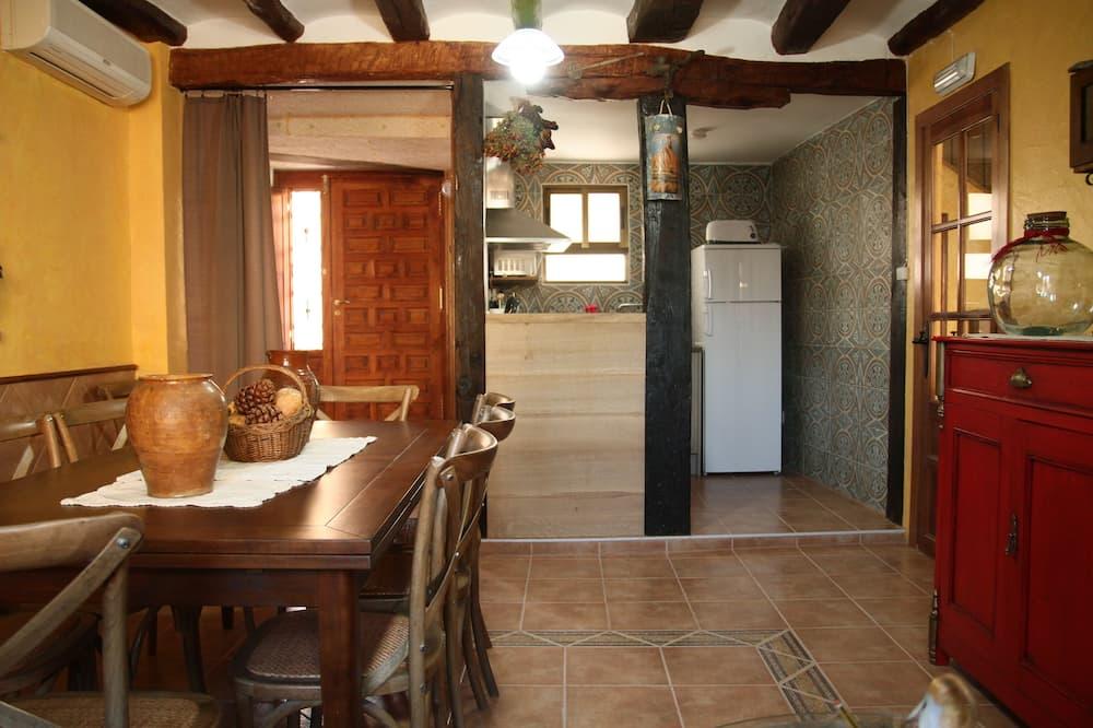 Standard Twin Room, 1 Bedroom, Shared Bathroom - Ruang Tamu