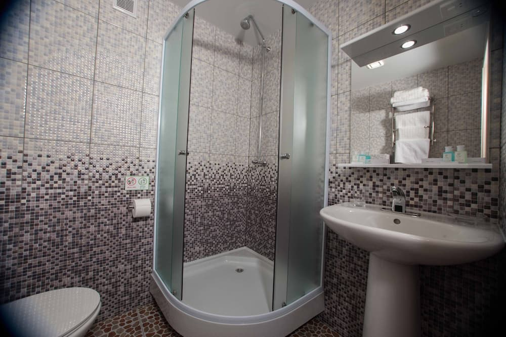 Базовый двухместный номер с 1 или 2 кроватями, для некурящих - Ванная комната