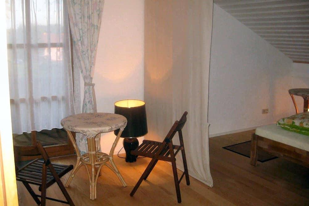 Chambre Double ou avec lits jumeaux, balcon - Coin séjour
