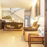 Apartmán, 4 ložnice, terasa, výhled na hory - Obývací pokoj