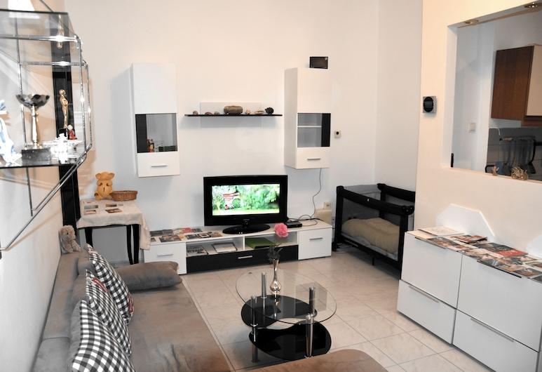 MTS-Immobilien, Vienna, Apartment (No 11, Nahe Schoenbrunn), Living Room