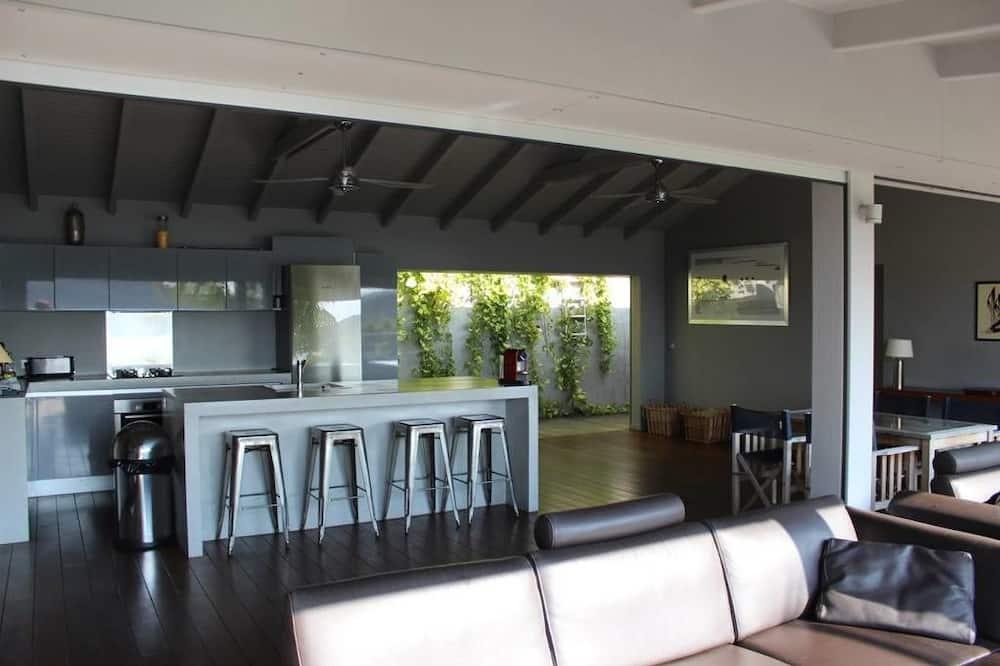 Deluxe Villa, 3 Bedrooms, Non Smoking - Living Area