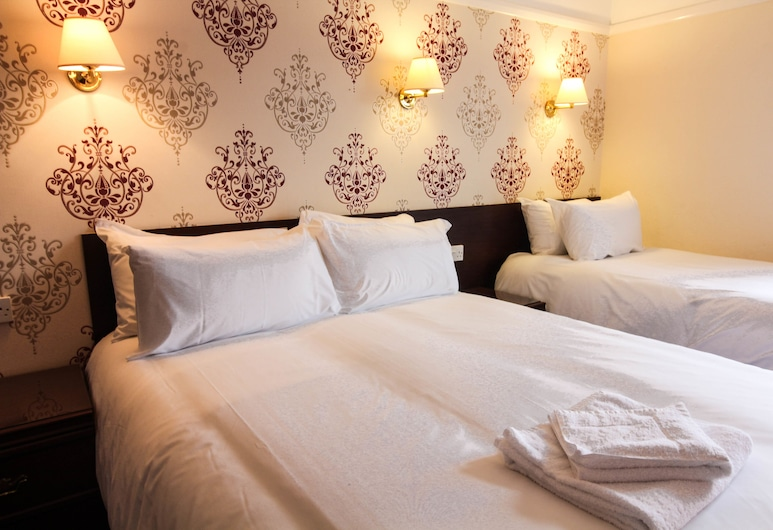 The Ryndle Court Hotel, Scarborough, Family Triple Room, Guest Room