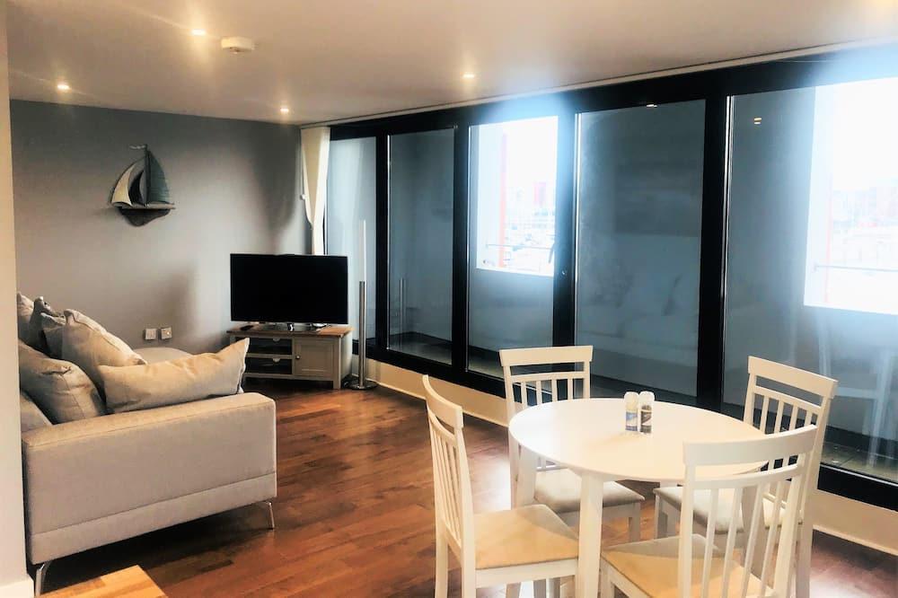 Deluxe Apartment, 1 Bedroom, Balcony, Harbour View - Ruang Tamu