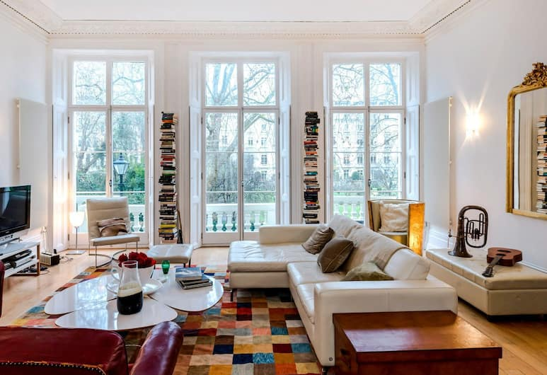 The Spacious Cleveland Square Apartment, London, Apartment, Wohnbereich