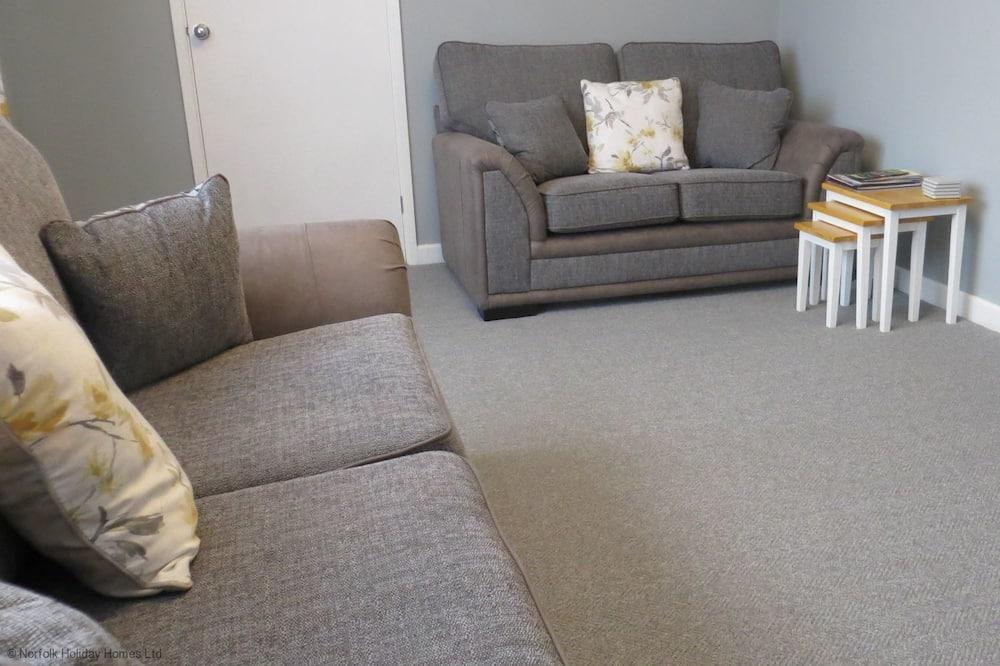 Cottage, Multiple Beds - Living Area