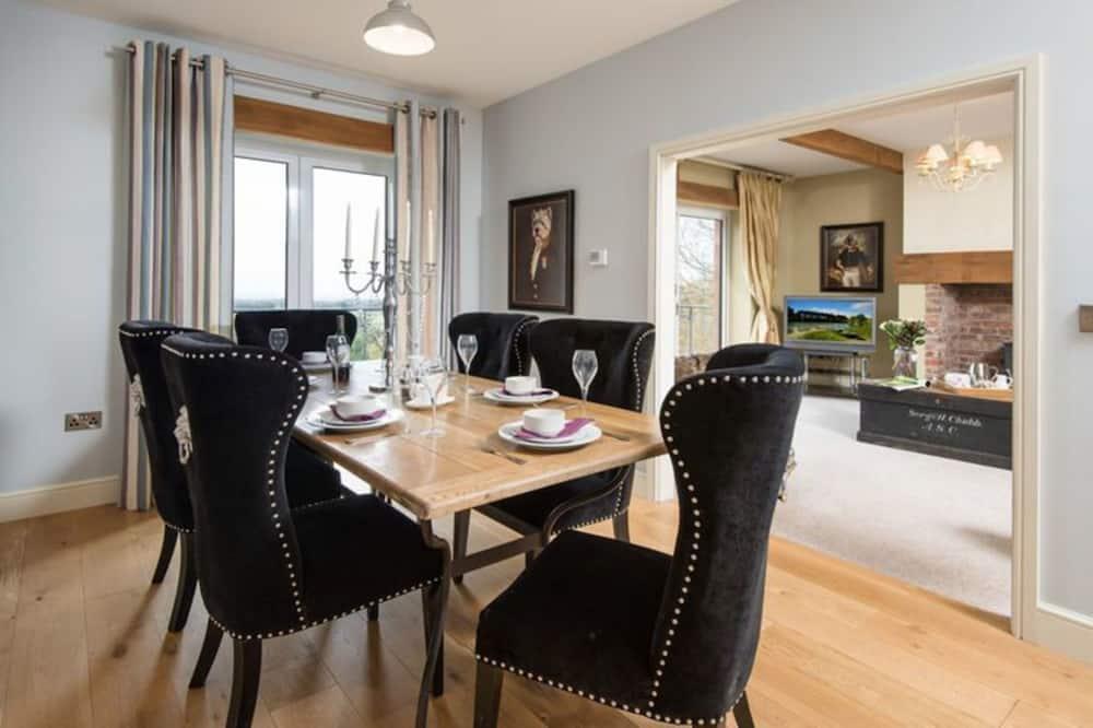 בית, מספר מיטות - אזור אוכל בחדר