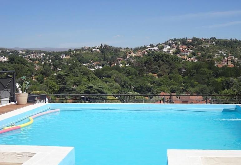 林孔索爾旅館, 卡洛斯拉巴斯別墅, 天台泳池