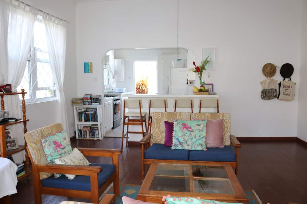 Comfort Cottage, Multiple Beds, Non Smoking, Ocean View - Living Area