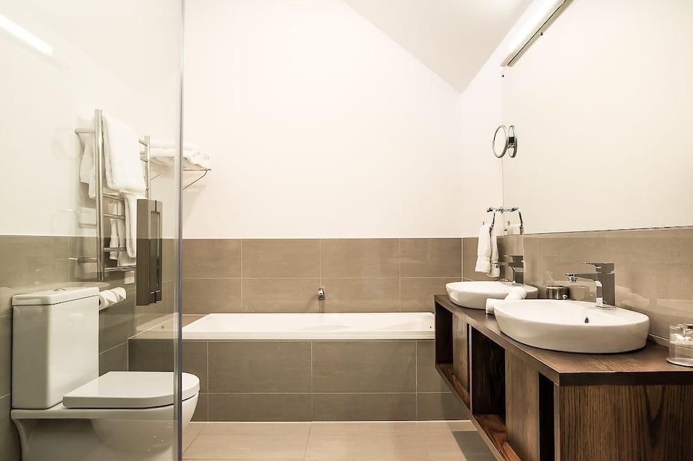 Δωμάτιο, Συνδεόμενα Δωμάτια - Μπάνιο