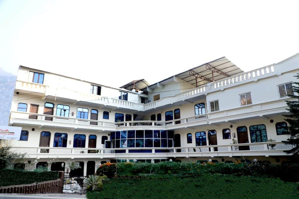 Petals Krish Grand Hotel