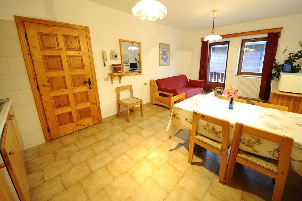 Apartament, 2 sypialnie, widok na góry - Zdjęcie opisywane