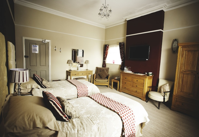 Vale House, Southport, Twin Room 1 Large En Suite, Guest Room