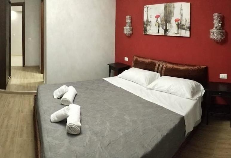 七奇蹟旅館, 羅馬