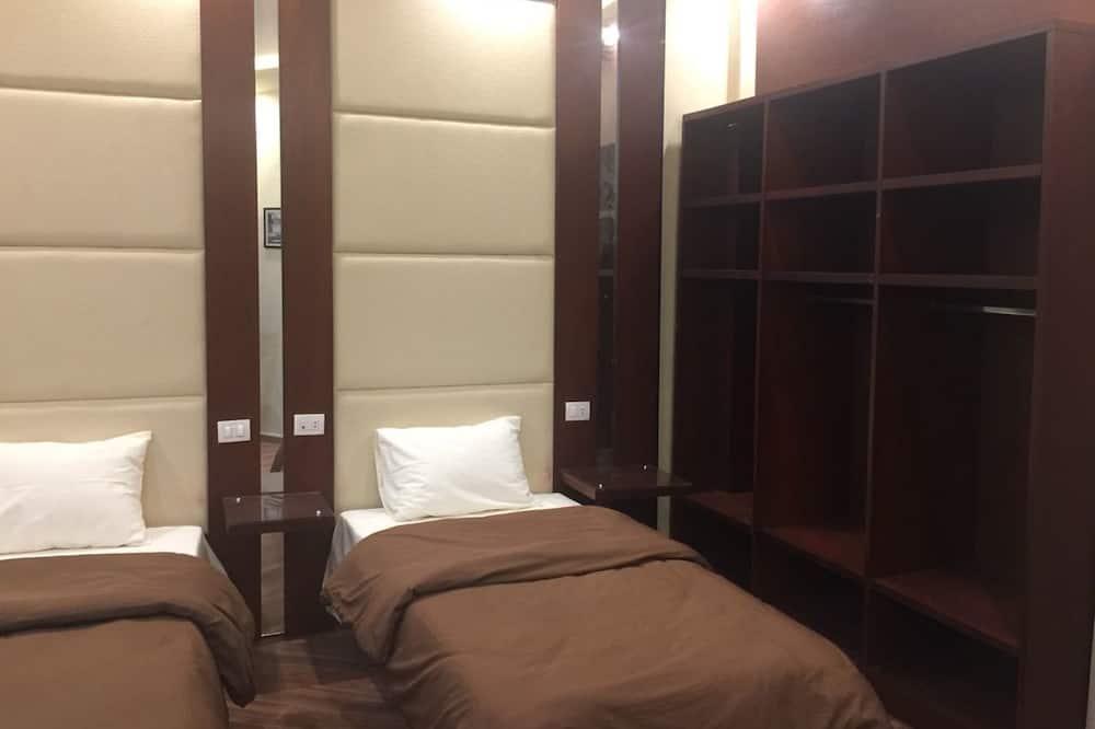 Habitación con 2 camas individuales, 1 habitación, vista a la ciudad - Balcón