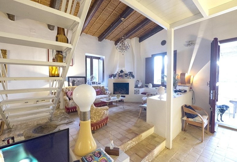 Villa With 4 Bedrooms in Augusta, With Private Pool, Enclosed Garden and Wifi - 42 km From the Beach, Augusta, Salon