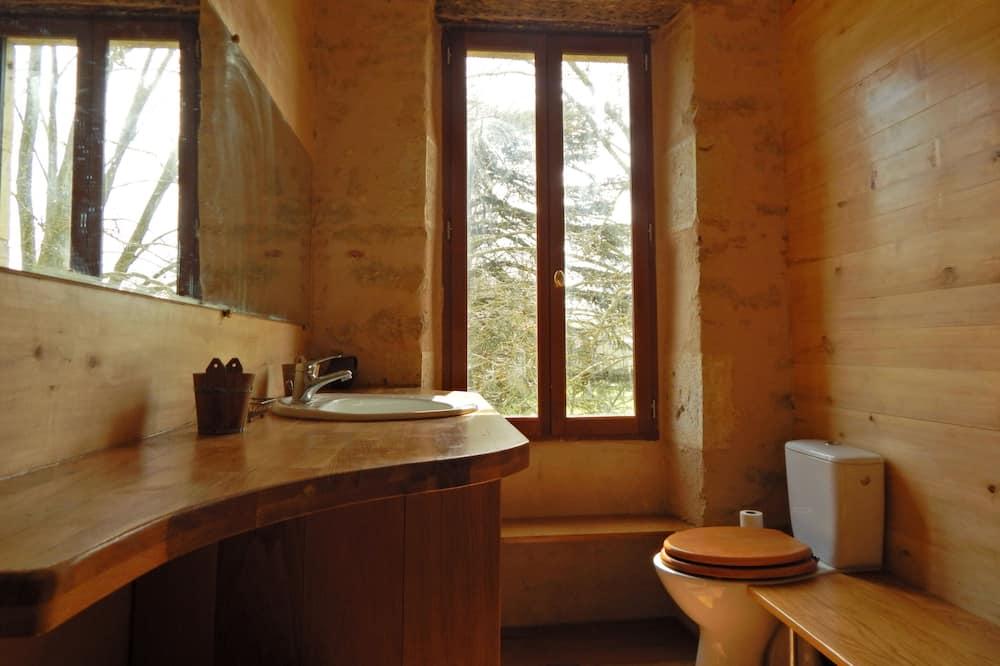 Family Suite, 2 Bedrooms, Private Bathroom - Bathroom