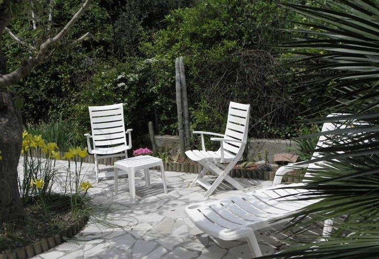 Chambre d'hote Villa Tigre, La Ciotat, Teres/Laman Dalam
