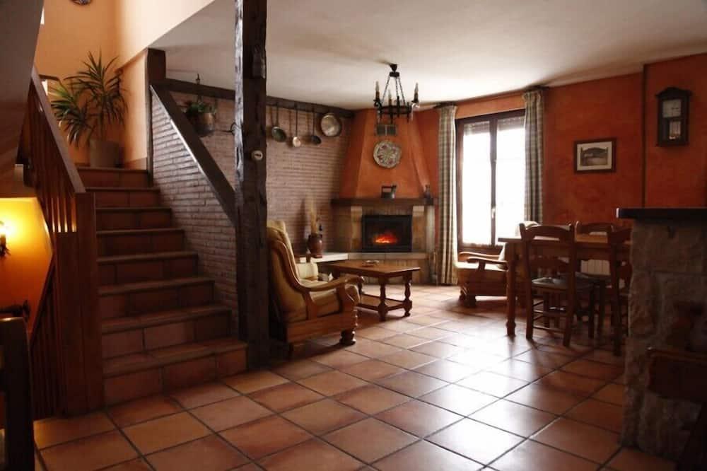 Nhà, 4 phòng ngủ - Phòng khách