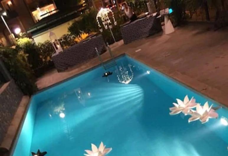 Hotel Montecarlo, Riccione, Outdoor Pool