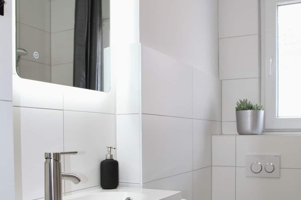 Liukso klasės apartamentai, atskiras vonios kambarys - Vonios kambarys