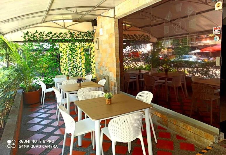 Hotel Palma 70, Medellín, Terassi/patio