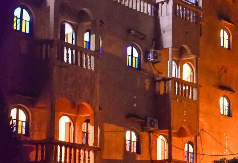 達爾納迪亞貝德里斯酒店, 塔米格特, 酒店入口 - 夜景