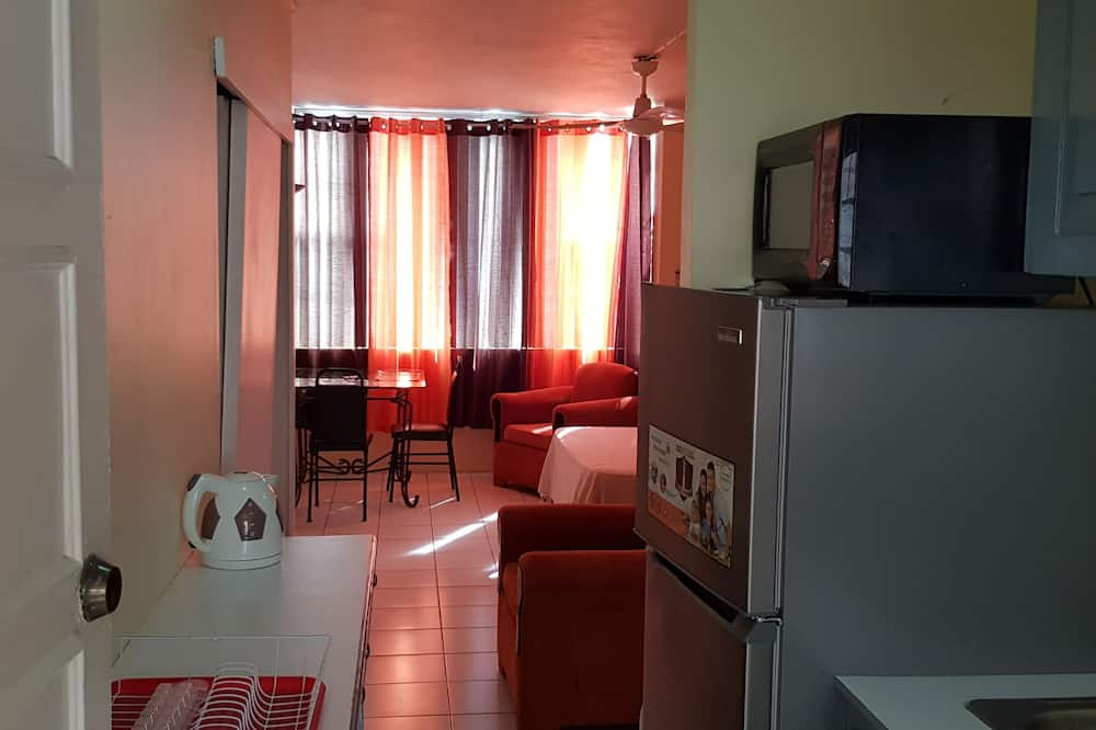 City Apartment, 1 Double Bed, Non Smoking - In-Room Dining