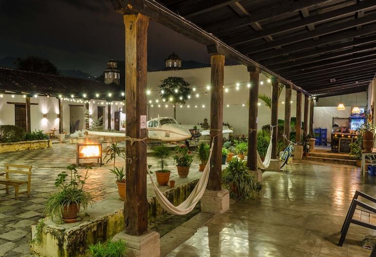 Lemon Tree Hostel, Antigua Guatemala, Terrace/Patio