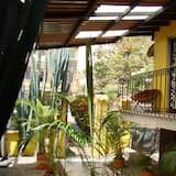 Чотиримісний номер, приватна ванна (Room 4) - Балкон