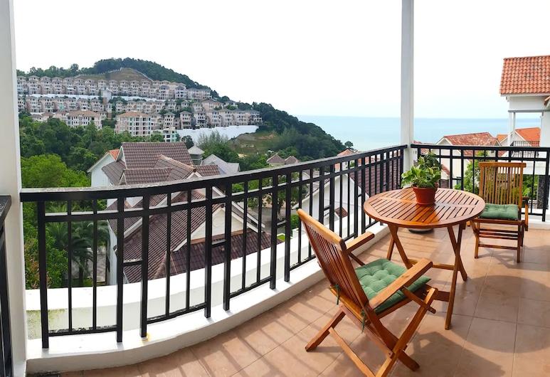 Hilltop Villa One (Penang) By Plush, George Town, Vila (One), Terasa