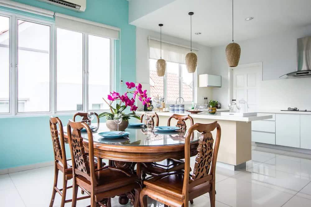 Villa (One) - In-Room Dining