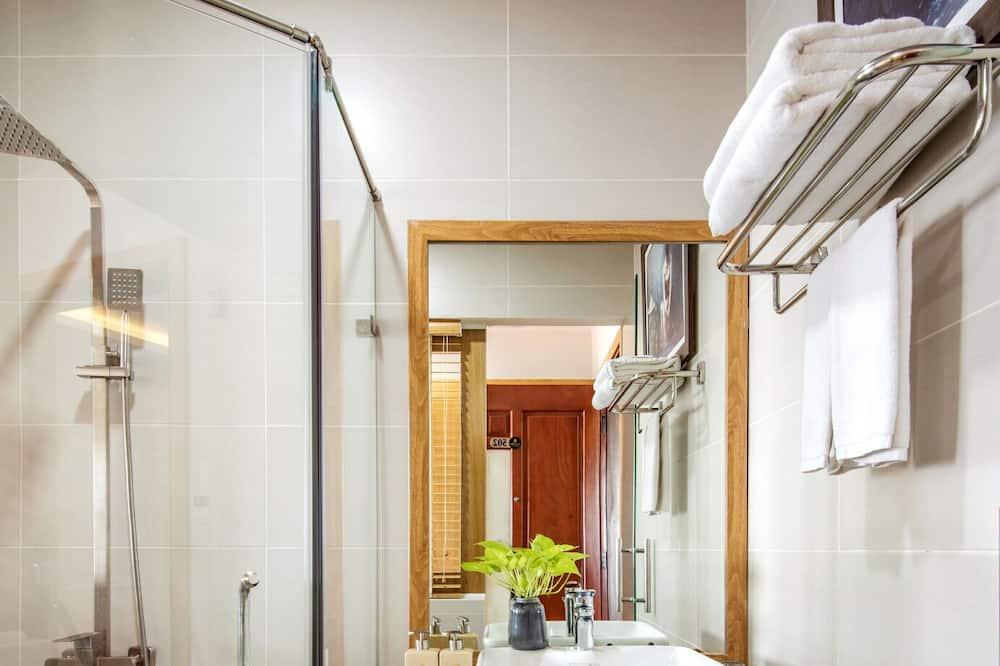 Szoba két külön ággyal, 2 hálószobával - Fürdőszoba