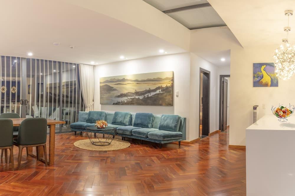 Prabangaus stiliaus apartamentai, 2 miegamieji, Nerūkantiesiems, vaizdas į miestą - Vakarienės kambaryje