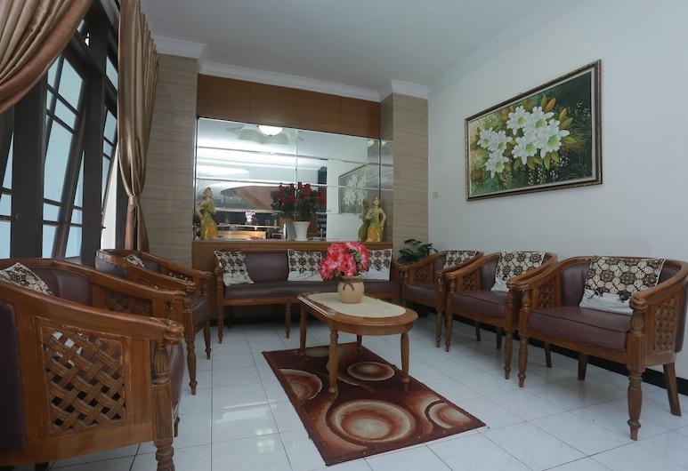 Hotel Kristina, Yogyakarta, Lobby Sitting Area