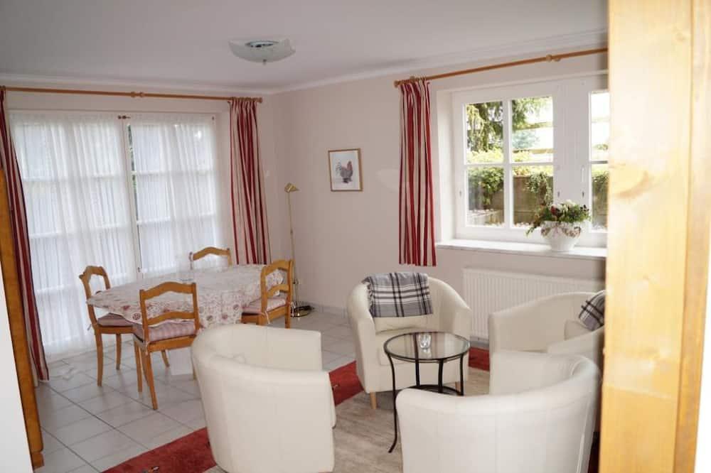 Apartment, 2 Bedrooms, Garden View - Living Area