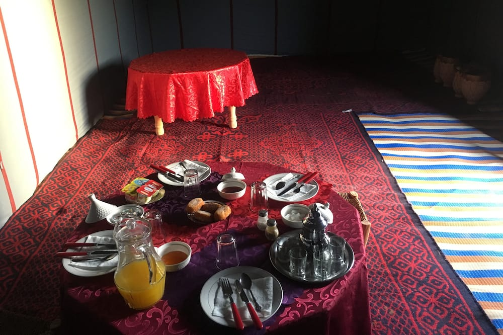 Traditional Tent, 1 Bedroom, Mountain View (Double) - In-Room Dining