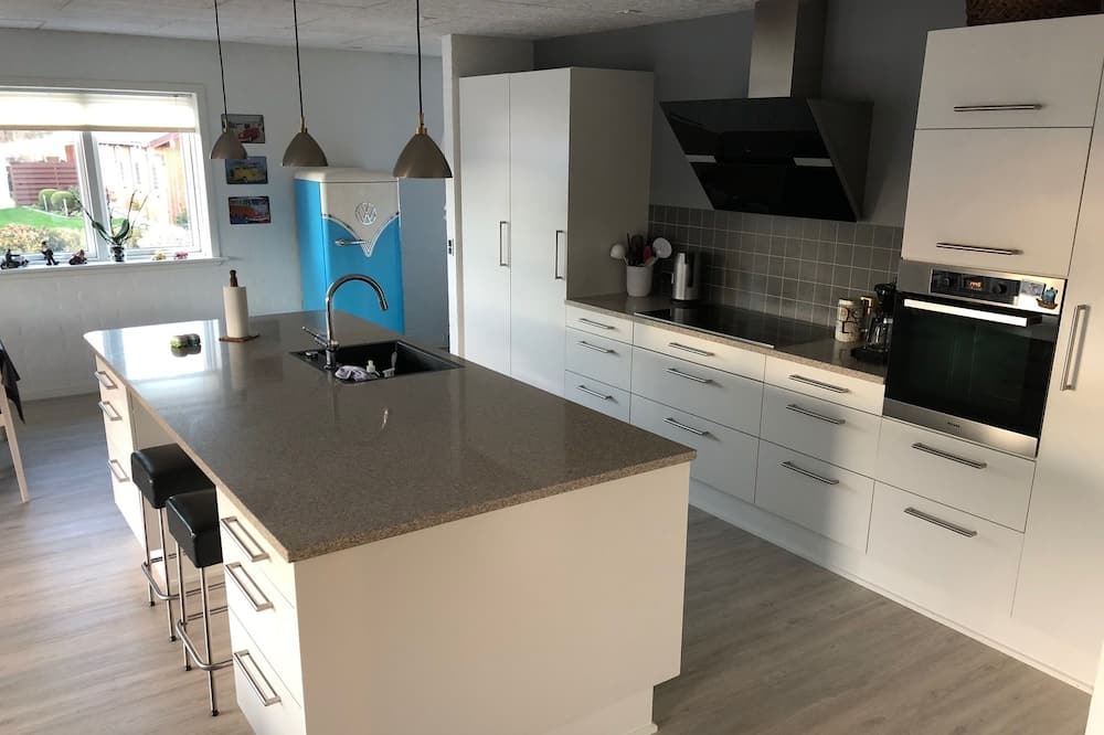 Standard Double or Twin Room, Non Smoking - Shared kitchen