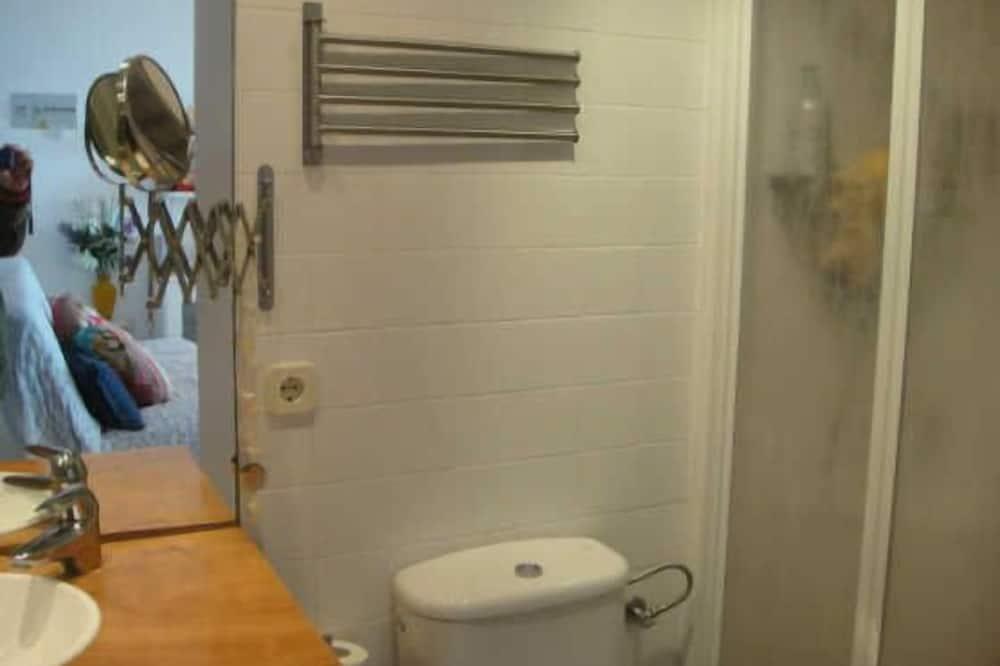 Lägenhet - 2 sovrum - terrass - Badrum