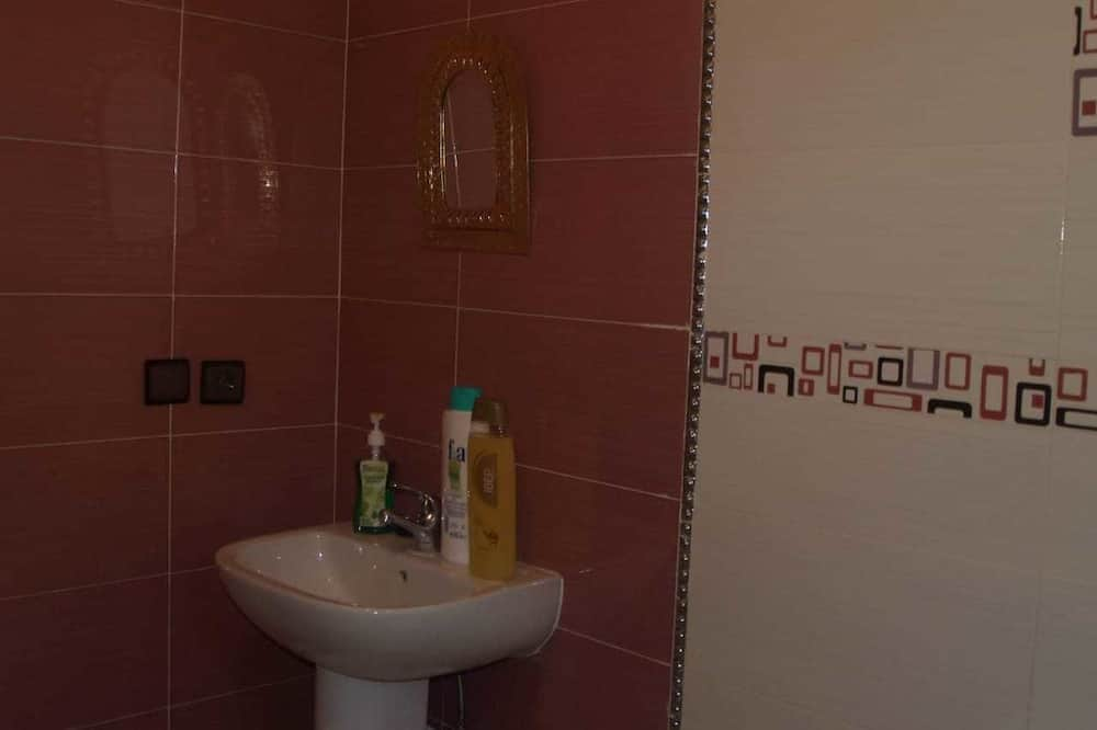 Shared Dormitory, Men only, Non Smoking, City View - Bathroom
