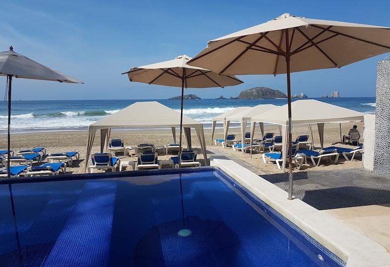 Luxe villa met toegang tot het strand 3, Ixtapa, Zwembad