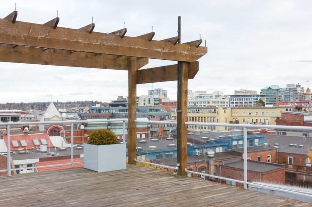 Butas, Kelios lovos (Central Victoria B) - Balkonas