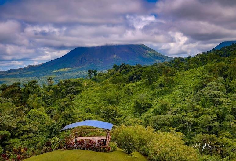 Vistas de clase mundial del volcán, el lago y la jungla. $ 95 / noche, La Fortuna