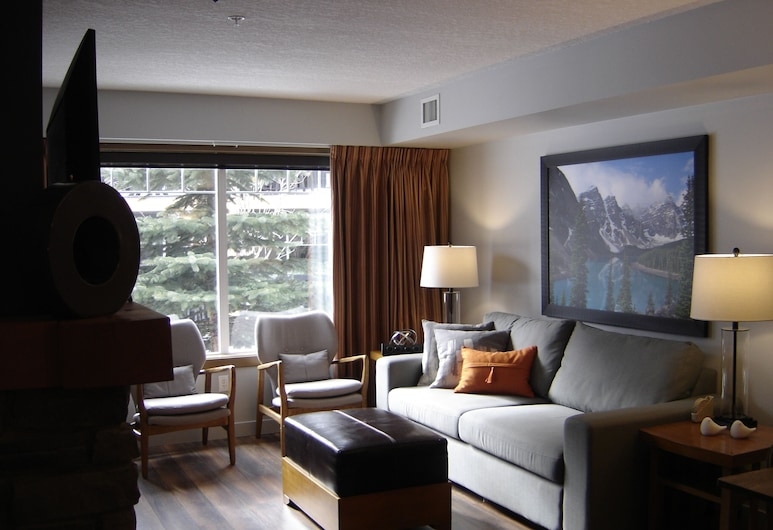 -blissful 2 Bedroom IN THE Beautiful BOW Valley Corridor!!, Dead Man's Flats, Living Room