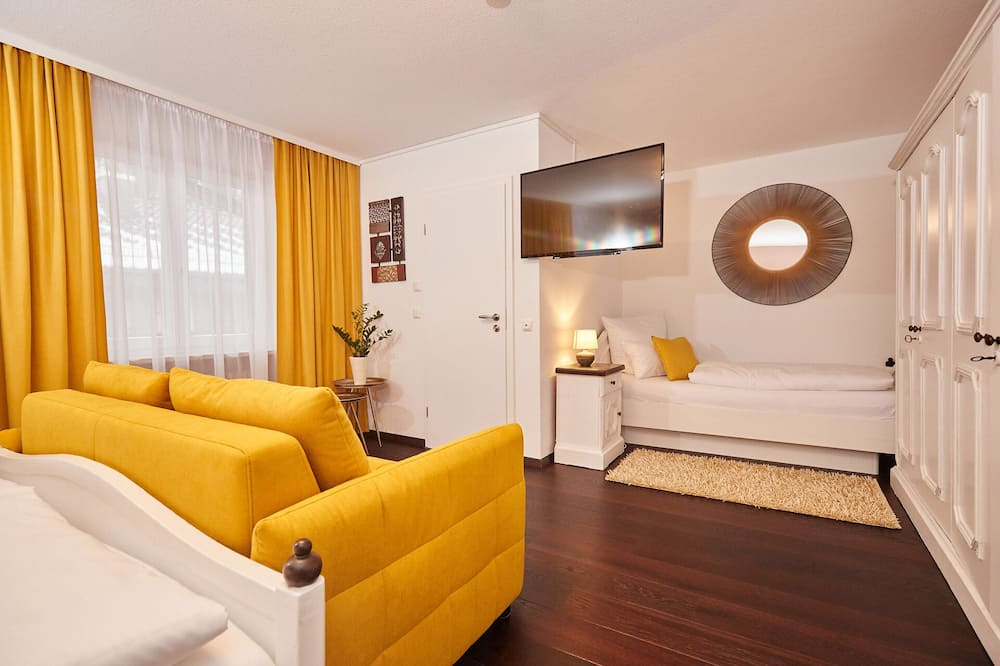 標準三人房 - 客廳
