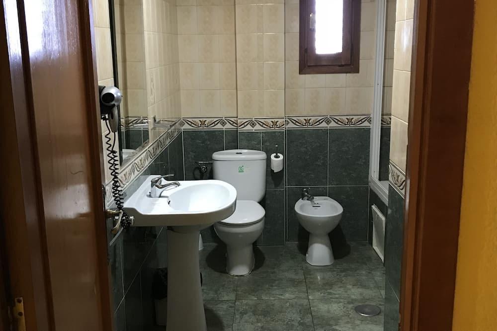Dvojlôžková izba, spoločná kúpeľňa - Kúpeľňa