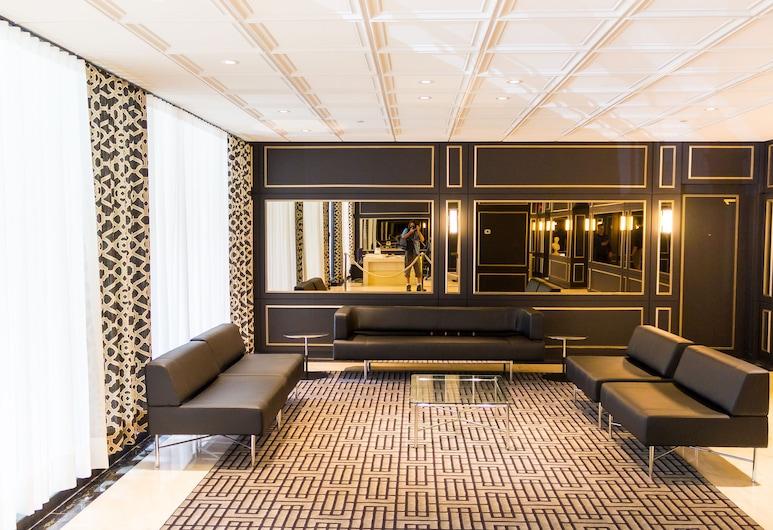 Elegant Apartments in City Centre by Nuage, Montreal, Sala de estar en el lobby